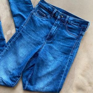 H&M High Waisted Jeans, Size 25